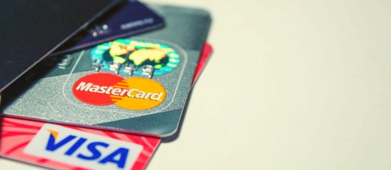 Karta kredytowa: jak działa okres bezodsetkowy